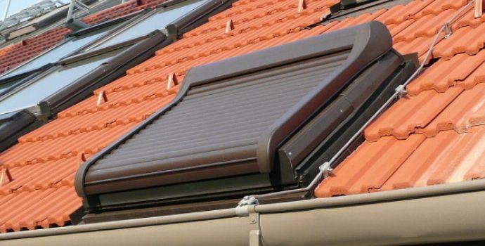 roto dachfenster rollo aussen excellent fabulous velux dachfenster rollo rolladen ersatzteile. Black Bedroom Furniture Sets. Home Design Ideas
