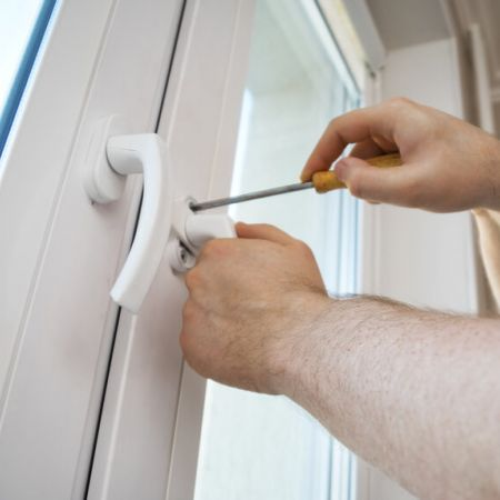 Sehr ᐅ Fensterservice - Fensterwartung ᐅ Fensterbeschläge - Reparatur FW67