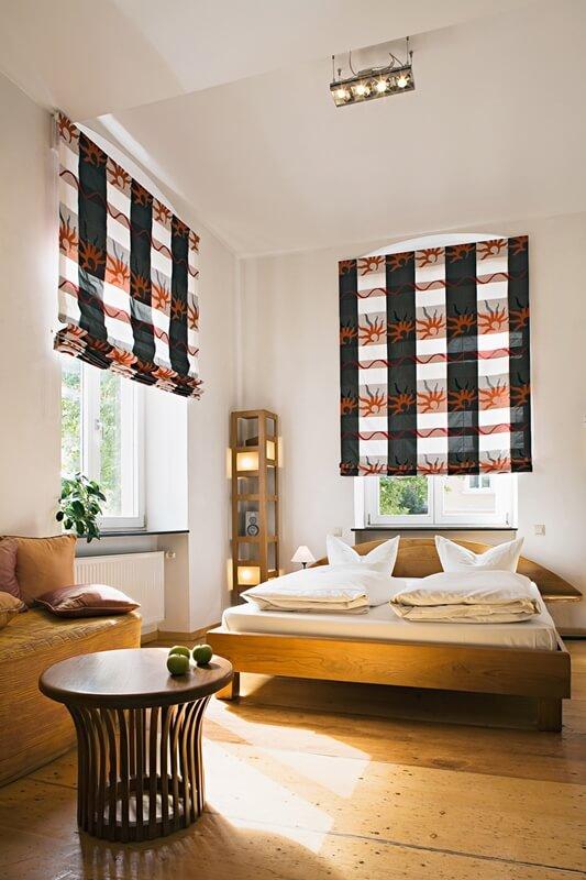 raffrollo spin dekorativer sonnenschutz von mhz. Black Bedroom Furniture Sets. Home Design Ideas